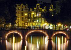 Canales de #Amsterdam - www.viajaraamsterdam.com/canales-de-amsterdam/