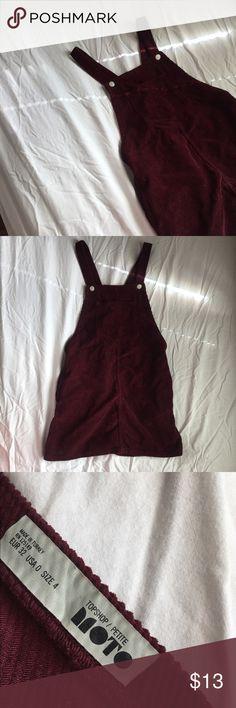 Topshop dress; petite size 0 Burgundy pinafore dress, great condition :) (no longer sold in topshop stores or topshop.com) Topshop Dresses Mini