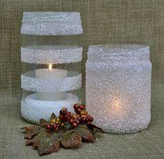 Proměňte nudné zavařeninové sklenice v originální zasněžené zimní svícny! Návod na krásnou dekoraci i na vaší zimní slavnostní tabuli!
