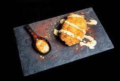 Delicias de pataca e lacón con salsa de tetilla e grelos (Cafetería Orly). PONTEDETAPAS 2015 - Pontevedra. Quedamosdetapas