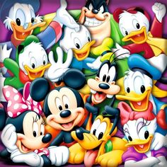 Mickey Mouse Amor, Mickey Mouse Y Amigos, Mickey Mouse And Friends, Mickey Minnie Mouse, Disney Kunst, Disney Art, Walt Disney, Disney Images, Mickey Mouse Wallpaper