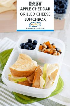 Apple Cheddar Grilled Cheese Sandwich. A tasty recipe for any lunchbox! #lunches #schoollunch #grilledcheese Sandwiches For Lunch, Delicious Sandwiches, Snacks For Work, Healthy Work Snacks, Healthy Eating, Real Food Recipes, Snack Recipes, Yummy Food, Vegetarian Recipes
