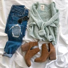 Casual Fall Outfits You Will Need To Copy This Season Komplette Outfits, Casual Outfits, Fashion Outfits, Womens Fashion, Fashion Trends, School Outfits, Fashion Lookbook, Sweater Outfits, Ladies Fashion