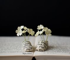 Flowers in my Shoes - buyable miniature paper art by Malena Valcarcel - A pair of miniature paper shoes with paper flowers. Folded Book Art, Book Folding, Paper Birds, Paper Flowers, Art Flowers, Book Crafts, Paper Crafts, Paper Shoes, Pink Paper