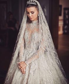 This celestial gown inspiration totally swayed us! Look at those intricate details incorporating swarovski beading paired with classic tiara and drop veil is purely magical, don't you agree? Wedding Robe, Dream Wedding Dresses, Bridal Dresses, Couture Wedding Gowns, Zuhair Murad Bridal, Zuhair Murad Dresses, Zuhair Murad 2018, Bridal Fashion Week, Bridal Beauty