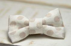Barrette bébé clic-clac petit nœud / blanche à pois beiges : Accessoires coiffure par noeud-vous-deplaise