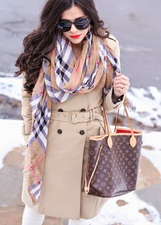 Women Fashion Style New Collection For Louis Vuitton Handbags, LV Bags to Have Neverfull Louis Vuitton, Louis Vuitton Handbags, Lv Handbags, Handbags Online, Fashion Handbags, Designer Handbags, Classic Trench Coat, Trench Coats, Burberry Scarf