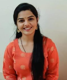 Beautiful Girl In India, Beautiful Girl Photo, Most Beautiful Indian Actress, Cute Beauty, Beauty Full Girl, Beauty Women, Real Beauty, Saree Models, Brunette Beauty
