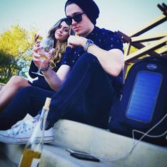 Couple Wine Ninja's enjoying their day while charging their phones with free energy from the sun. #sciencerules #solar #solarpowerbackpack #solarbackpack #wine #temecula #whatkindofninjaareyou #billnye