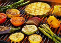 2 személyes mennyei bőségtál húshegyekkel, zöldségekkel és savanyúságokkal, italkedvezménnyel a belvárosban