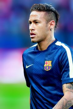 Everything you need to know about Neymar Jr Neymar Jr, Good Soccer Players, Football Players, Fc Barcalona, Soccer Hair, Neymar Brazil, Football Is Life, Lionel Messi, Role Models