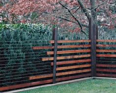 39 Unique Garden Fence Decoration Ideas - About Expert Design Backyard Fences, Garden Fencing, Garden Beds, Landscape Architecture, Landscape Design, Fence Slats, Wire Fence, Dog Fence, Wood Fences