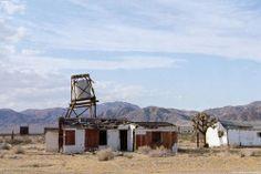 mojave-craig:   Yermo, California by Zach Bradley    Via Flickr: