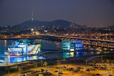Han River, Seoul, South Korea. Banpo-daegyo. We drive across that bridge when going to Osan, Seoul Arts Center, etc.