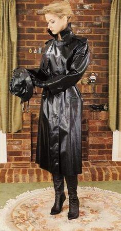 A beautiful lady in a beautiful shiny, classic rubber mackintosh Black Mac, Black Raincoat, Rubber Raincoats, Plastic Raincoat, Pvc Coat, Rain Gear, Raincoats For Women, Black Rubber, Lady