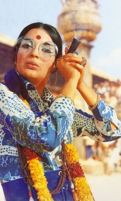 Bollywood Fashion 735634920360898623 - Muse du Jour: Bollywood Bad Girl Zeenat Aman Source by gontagaimc Mode Bollywood, Bollywood Outfits, Bollywood Fashion, Indian Bollywood, Vintage India, Vintage Bollywood, Bollywood Posters, Bollywood Actors, Retro Fashion