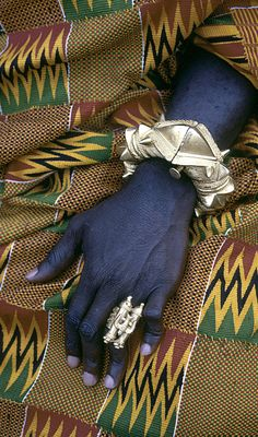 Africa | Asante regional Chief Kwaku Addai's ornate bracelet and gold finger-ring. Kumasi, Ghana. ca. 1970 | ©Eliot Elisofon
