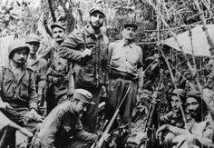 La première véritable rupture dans les relations diplomatiques américano-cubaines prend place à travers la Révolution castriste de janvier 1959. En effet, le 2 janvier 1959, les troupes castristes ayant à leur tête Fidel Castro, Ernesto Guevara et Camilo Cienfuegos, entrent dans La Havane. Cette victoire militaire marque la fin de la présence d'un gouvernement pro-américain à Cuba et l'introduction d'un gouvernement révolutionnaire hostile à l'interventionnisme américain.