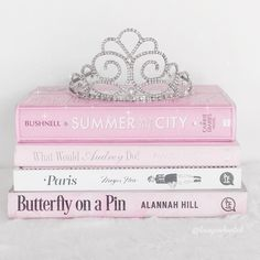 Book Aesthetic, Aesthetic Pictures, Tout Rose, Princess Aesthetic, Everything Pink, Pink Wallpaper, Tori Vega, Fashion Books, Pastel Pink