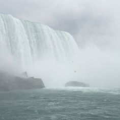 Splendid view of the falls. Getting up close and personal! #niagarafalls #canada #hornblower #travel #travelphotography #travelgram #sevenwonders #ontario #beautiful #greatday http://tipsrazzi.com/ipost/1514149016819910669/?code=BUDVoIsjsgN