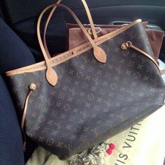 Neverfull MM Brown Shoulder Bags Which Is Made Of Top Quality Brings You High Quality Life! Fall Handbags, Cheap Handbags, Fashion Handbags, Handbags Online, Cheap Michael Kors, Michael Kors Outlet, Michael Kors Bag, Louis Vuitton Neverfull, Louis Vuitton Handbags