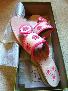 I want a pair of these so bad they look so comfy yet cute jack rogers