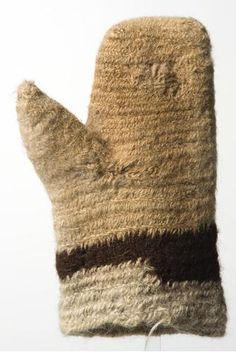 SU5332 No: 53 Mitten, left-hand, men's, nalbinding technique. National Museum of Finland. Pääluettelo: Lapanen, vas. käden, miehen, neulakinnastekniikkaa. Suomen kansallismuseo