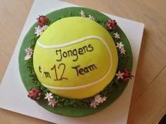 Tennisbal taart. Tennis ball cake.