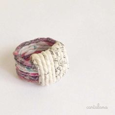 Paper Bracelet, Paper Jewelry, Paper Beads, Jewelry Crafts, Paper Rings, Crochet Teddy, Bangle Set, Recycled Art, Textiles