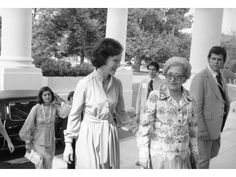 What do you think about writing a comparison essay on Laura Bush and Rosalynn Carter?
