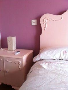 El viernes estuve en casa de Cristina, terminado de pintar una cómoda que tenemos pendiente y me dí cuenta de que todavía no os he enseñado los cambios en los muebles que se encontró en una de las habitaciones del piso que se compró hace un par de años. Le apetecía tener una habitación color […]