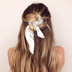 Preppy Hairstyles, Veil Hairstyles, Wedding Hairstyles With Veil, Hairstyles For School, Scarf Updo, Braided Scarf, Bridal Hair Half Up Half Down, Wedding Hairstyles Half Up Half Down, Paisley