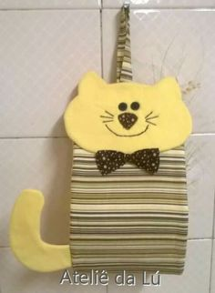 Porta papel higiênico gato Diy Sewing Projects, Sewing Hacks, Sewing Crafts, Projects To Try, Toilet Paper Origami, Handmade Crafts, Diy And Crafts, Owl Cat, Cat Quilt