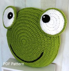 Frog Pillow - Cushion CROCHET PATTERN - crochet patterns for animal pillows - Kids Birthday present - Baby shower nursery gift Frog Pillow Cushion CROCHET PATTERN crochet patterns Simple Double Knitting Projects - Ideal Me projects scarves 10 Simp Crochet Animal Amigurumi, Bag Crochet, Crochet Pillow Pattern, Crochet Cushions, Crochet Animals, Crochet Dolls, Crochet Patterns, Knitting Patterns, Kids Birthday Presents