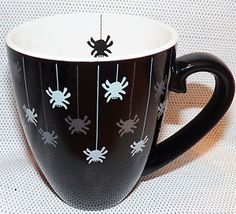 VERY-RARE-2002-Starbucks-Barista-Grande-Halloween-Black-Spider-Coffee-Mug-16-oz