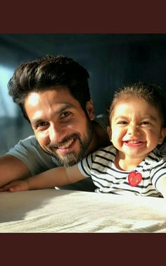 Shahid Kapoor with her daughter Misha Kapoor Bollywood Images, Bollywood Couples, Bollywood Stars, Bollywood Fashion, Indian Celebrities, Bollywood Celebrities, Famous Celebrities, Misha Kapoor, Like Father Like Daughter