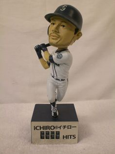2011 ICHIRO SUZUKI SEATTLE MARINERS BOBBLE HEAD WITH HIT COUNTER IN BASE | eBay