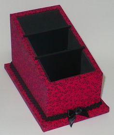 Porta controle remoto para 3 unidades em mdf revestido com tecido 100% algodão e acabamento interno em e.v.a. R$ 30,00