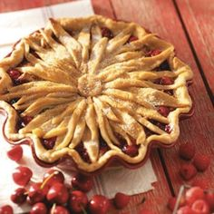 My sister mom make the best pie crusts! Food : Ten Delicious Pies To Bake How to Make a Flower Pie Crust Just Desserts, Delicious Desserts, Yummy Food, Cherry Desserts, Baking Desserts, Pie Recipes, Dessert Recipes, Cooking Recipes, Cooking Tips