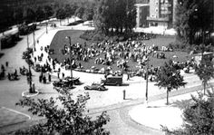 1943. Daniël Willinkplein (Victorieplein) was used as an assemply point for Jews before they were transported to the Muidepoort station. #amsterdam #worldwar2 #DaniëlWillinkplein
