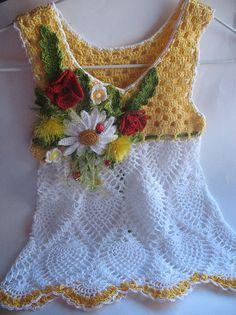 Vestido de verano en amarillo y blanco con flores por ninellfux