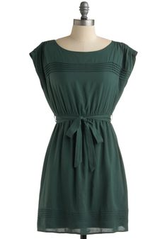 lets go for a walk in the park. paired with a simple pair of flats this dress would look fantastick