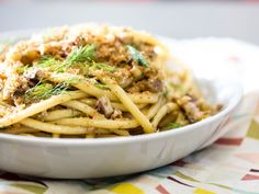 Pasta Con le Sarde (Sicilian Pasta With Sardines) Recipe - Serious Eats Pasta Recipes, Cooking Recipes, Pasta Con Sarde Recipe, Meat Recipes, Delicious Recipes, Bucatini Pasta, Fennel Recipes, Italian Pasta Dishes, Roasted Fennel