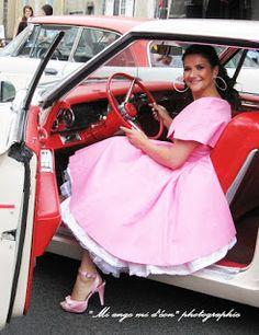 Galerie 4. Le look chic, rétro vintage, style années 40 50 60 de haute qualité adapté à l'époque moderne et voiture vintage