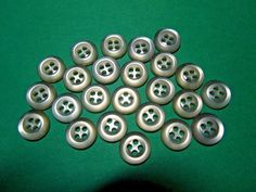 "(24) 7/16"" PALE PEACH PINK PLASTIC 4-HOLE SHIRT BUTTONS VINTAGE LOT (N975)"