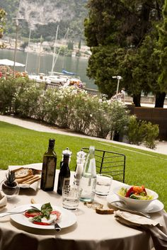 Our Tremani bistro is open daily for breakfast and lunch offering a refined Mediterranean cuisine. www.lido-palace.it