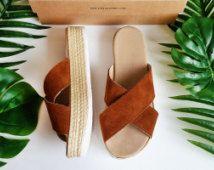 Sandales espadrilles, Flatform sandales, sandales compensées, sandales à plateforme, sandales en cuir grec, sandales en daim marron Criss Cross par Almyra