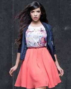 Indila sortira son premier album « Mini World Famous Singers, Floral Fashion, Female Singers, Celebs, Celebrities, Fall Outfits, High Waisted Skirt, Fashion Looks, Actresses