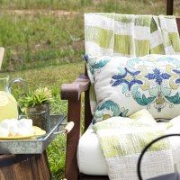 http://www.blesserhouse.com/2016/05/decorate-small-patio.html