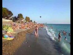 Море в Абхазии. Пляж в Гаграх. Август 2016. Sea in Abkhazia. Beach in Ga...